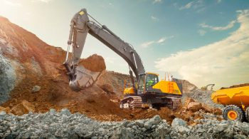 volvo-benefits-crawler-excavator-ec750e-t4f-powered-by-volvo-2324x1200-compressed